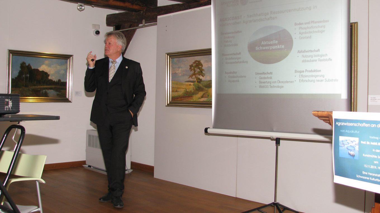 Prof. Elmar Mohr